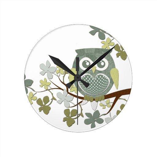Polka Dot Owl in Tree Clock