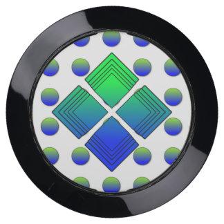 polka dots 4 square USB charging station
