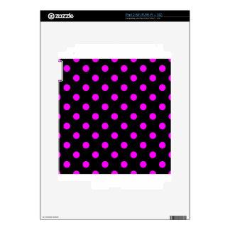 Polka Dots - Fuchsia on Black Decal For The iPad 2
