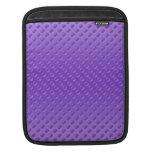 polkadots purpúreos claros en fondo púrpura funda para iPads