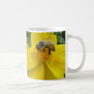 Pollinating honey bees mug