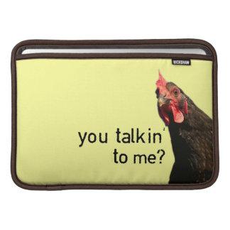 Pollo divertido de la actitud fundas macbook air