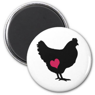 Pollo lindo con el corazón rosado imán redondo 5 cm