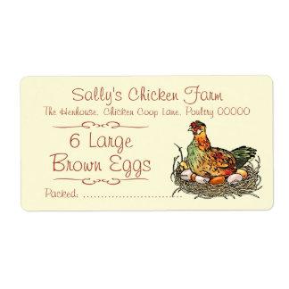 Pollo que se sienta en el dibujo colorido de los etiqueta de envío