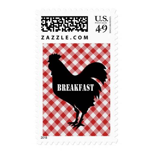 Pollo Silo en el desayuno rojo del fondo del contr