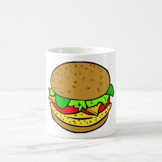 Pollo, tomates de la ensalada y hamburguesa del taza