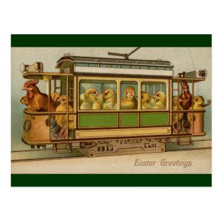 Pollos en el vintage Pascua del coche de carretill Postal