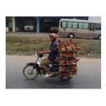 Pollos en Moto-Vietnam Postales