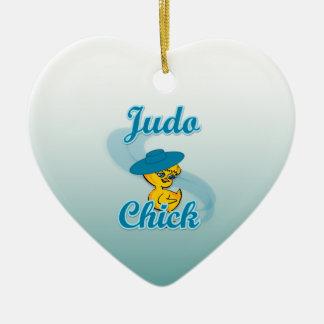 Polluelo #3 del judo adorno navideño de cerámica en forma de corazón
