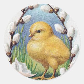 Polluelo amarillo de los saludos de Pascua Pegatina Redonda