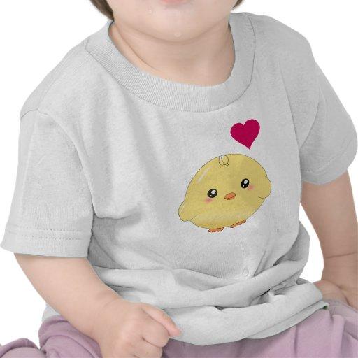Polluelo amarillo lindo camiseta