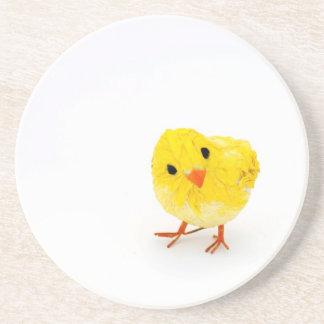 Polluelo amarillo lindo del bebé posavasos para bebidas