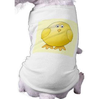 Polluelo amarillo lindo. Pequeño pájaro Camisetas De Perrito