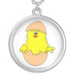 Polluelo borroso lindo de Pascua del dibujo animad Colgantes Personalizados