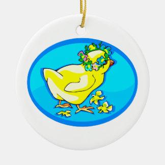 polluelo con óvalo azul de la corona de la flor adorno redondo de cerámica