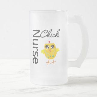 Polluelo de la enfermera taza de cristal