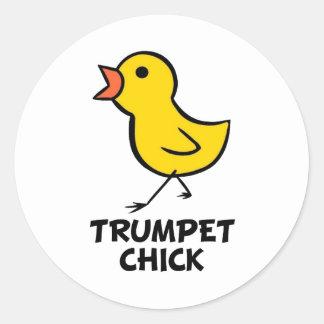 Polluelo de la trompeta pegatina redonda