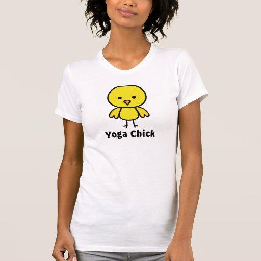 Polluelo de la yoga camiseta