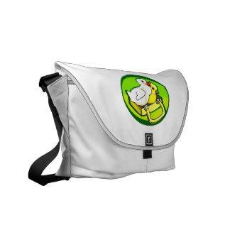 polluelo del anadón en parte posterior del verde d bolsa de mensajeria
