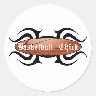 Polluelo del baloncesto tribal pegatina redonda