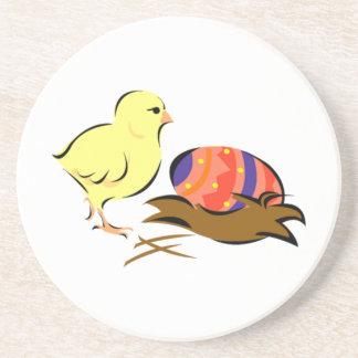 Polluelo del bebé y huevo de Pascua Posavasos Personalizados