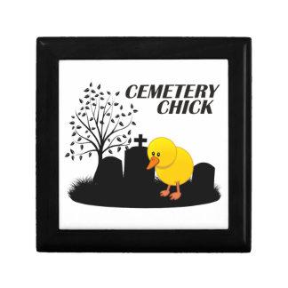 Polluelo del cementerio joyero cuadrado pequeño