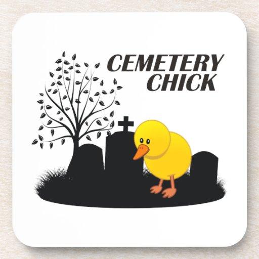 Polluelo del cementerio posavasos de bebida