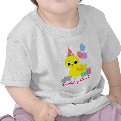 Polluelo del cumpleaños camiseta