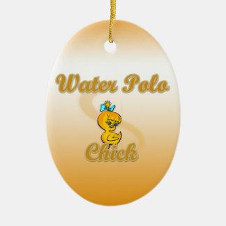 Polluelo del water polo adorno navideño ovalado de cerámica