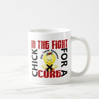 Polluelo en el cáncer de piel de la lucha tazas de café