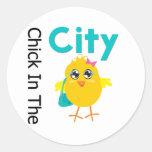 Polluelo en la ciudad etiquetas
