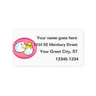 Polluelo en óvalo del rosa del huevo etiquetas de dirección