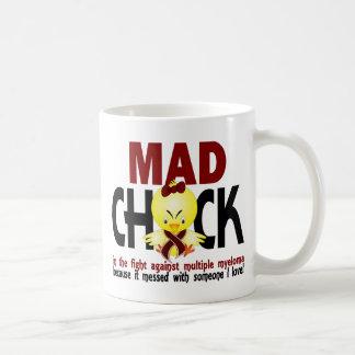 Polluelo enojado en el mieloma múltiple de la taza