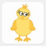 Polluelo lindo, pájaro de bebé amarillo calcomanía cuadrada personalizada