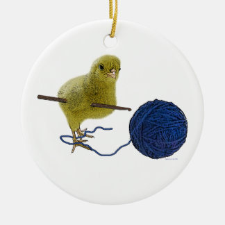 Polluelo que crochets el ornamento adorno navideño redondo de cerámica