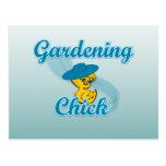 Polluelo que cultiva un huerto #3 tarjetas postales