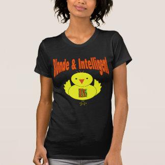 Polluelo rubio y inteligente camiseta