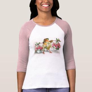 Polluelo y flores de Pascua Camiseta