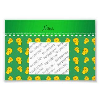 Polluelos amarillos verdes conocidos cojinete