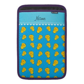 Polluelos conocidos personalizados del amarillo funda para macbook air