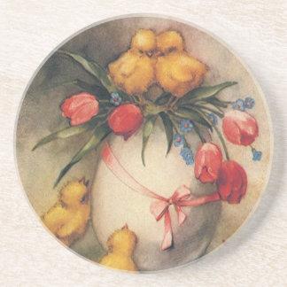 Polluelos de Pascua del vintage con las flores Posavasos Diseño