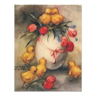 Polluelos de Pascua del vintage con los tulipanes  Invitaciones Personales