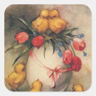 Polluelos de Pascua del vintage con los tulipanes Calcomania Cuadrada Personalizada