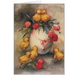 Polluelos de Pascua del vintage, flores rojas del  Felicitaciones