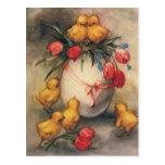 Polluelos de Pascua del vintage, flores rojas del  Postal
