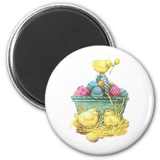 Polluelos de Pascua en cesta Iman