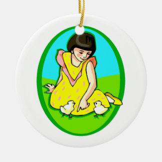 polluelos del vestido dos del amarillo del chica adorno redondo de cerámica