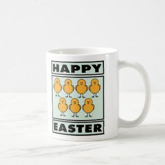 Polluelos felices de Pascua Tazas