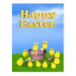 Polluelos 'n una cesta de Pascua Postal