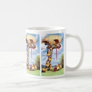 Polluelos que viajan taza de café